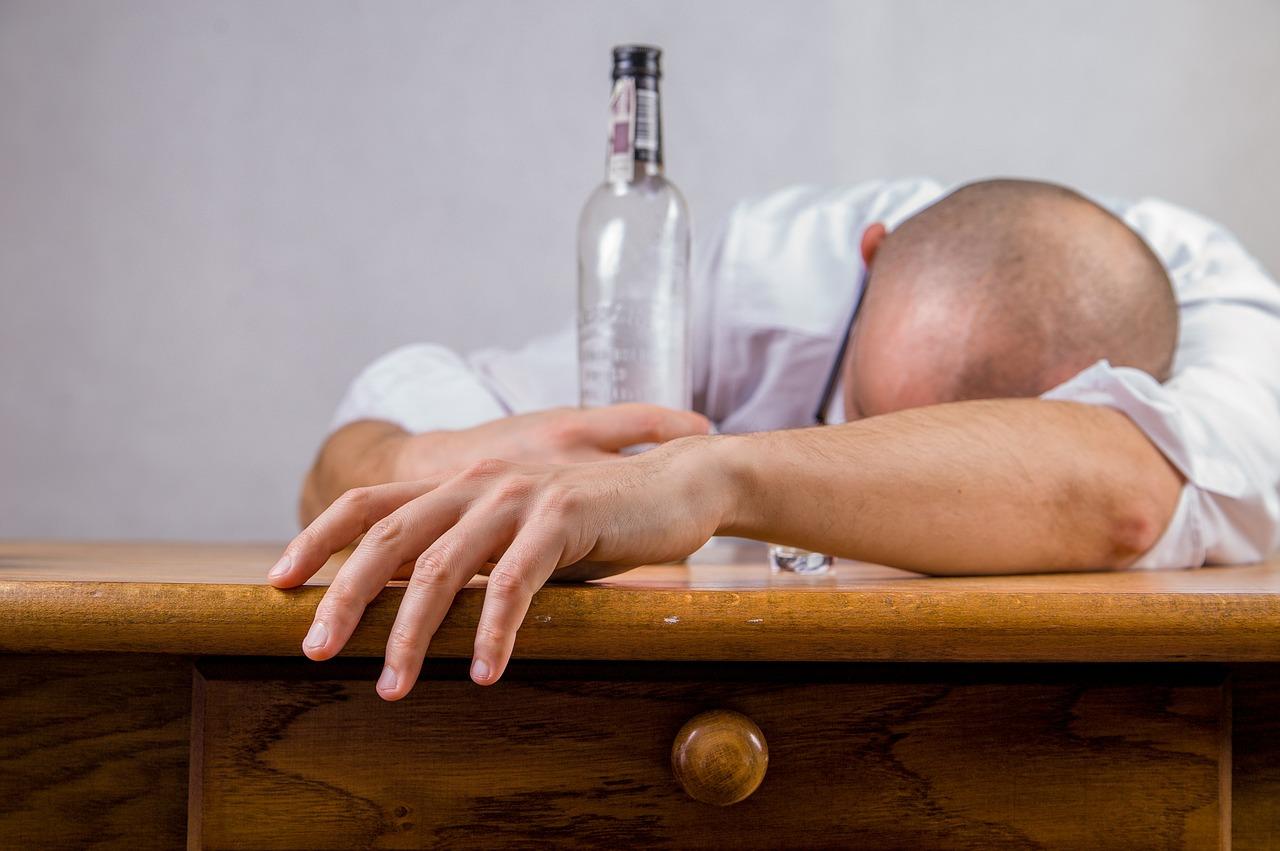 wydziedziczenie alkoholika
